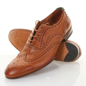 Brown Brogues can add kick and spice to any formalwear attire , barring black suits, during the Fall Season!