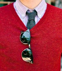 A Burgundy / Red Sweater with a tie can look fantastic for a casual winter night out!